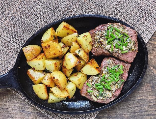 Skillet Steak With Garlic Compound Butter