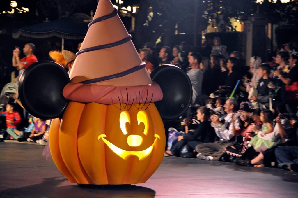 Mickey s Costume Party  Disney Villain Dance Costumes