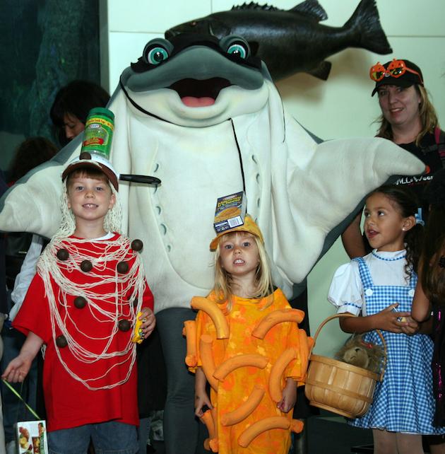 Costume Contest at Scarium of the Pacific