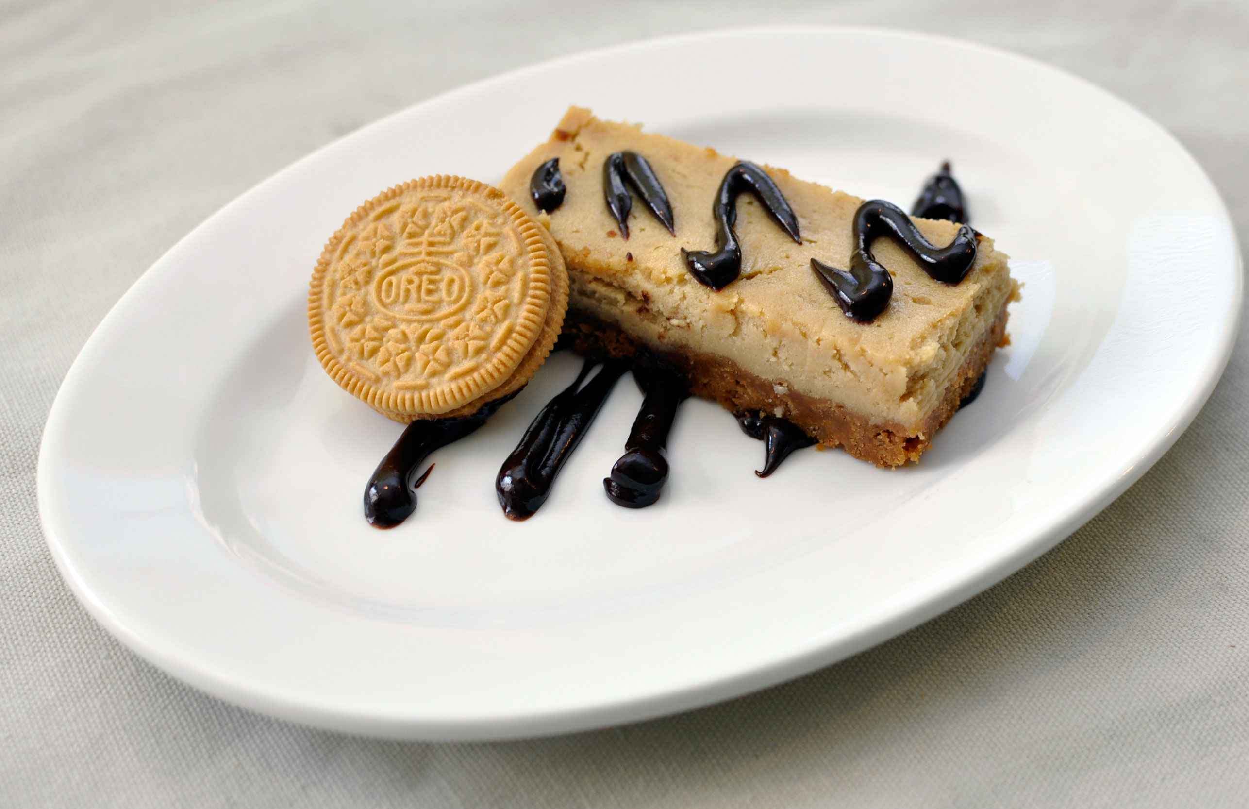 Recipe: Gingerbread Oreo Cream Cheesecake Bars With a Chocolate ...