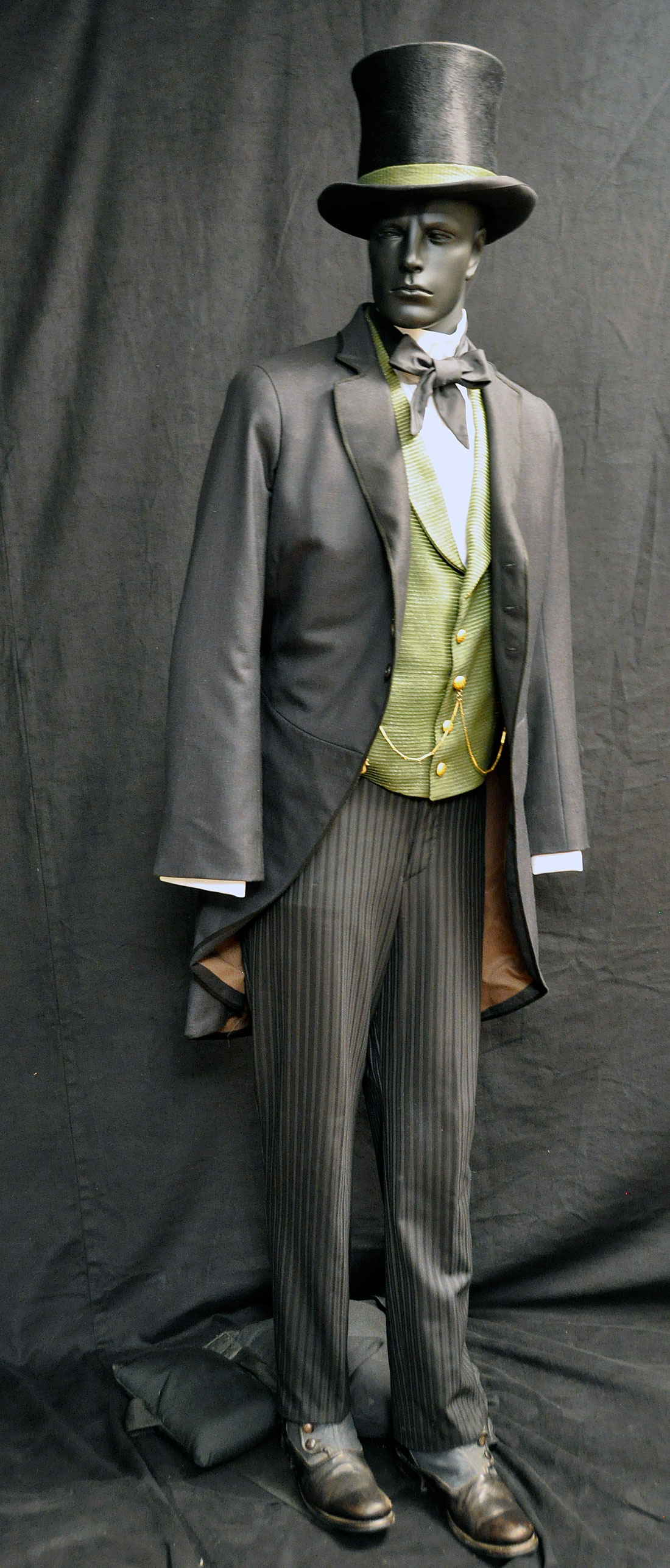Costume & Makeup From Disney's Oz the Great and Powerful ...