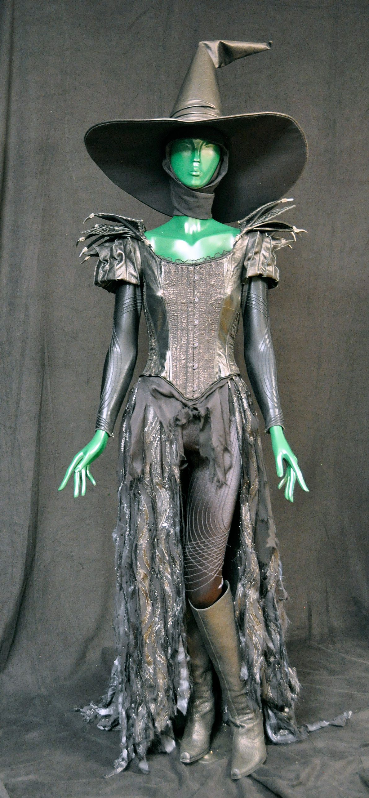 costume  makeup from disney's oz the great and powerful