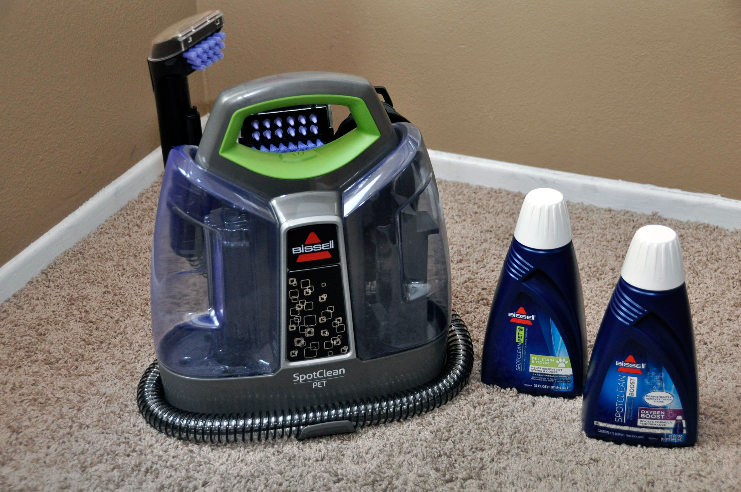 car carpet and upholstery cleaner how to clean car carpet upholstery meineke bissell 39 s. Black Bedroom Furniture Sets. Home Design Ideas
