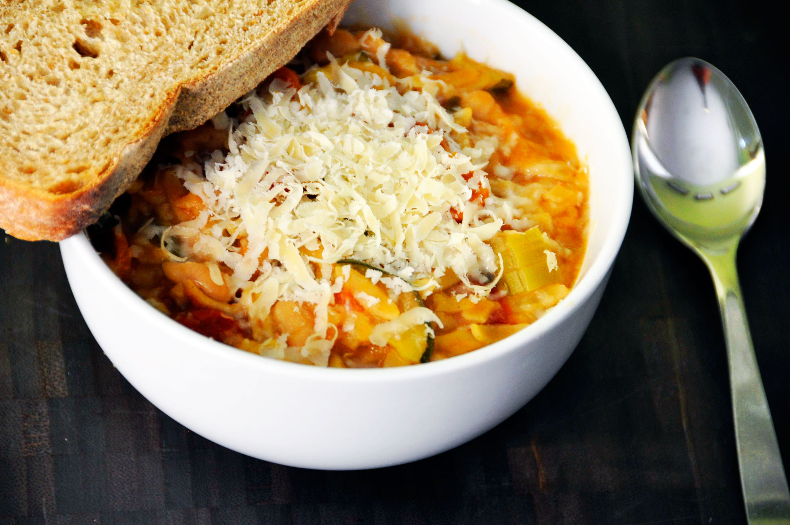 Recipe: Crock Pot Minestrone Soup + A Week of Vegetarian Meals ...