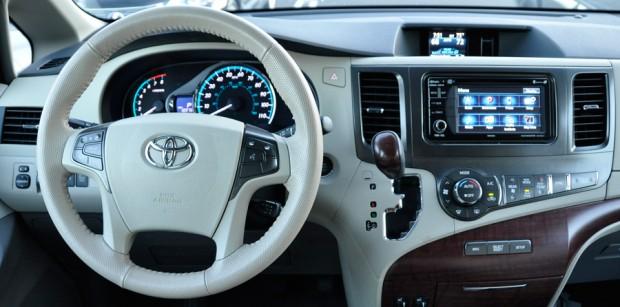 Toyota Sienna Dash