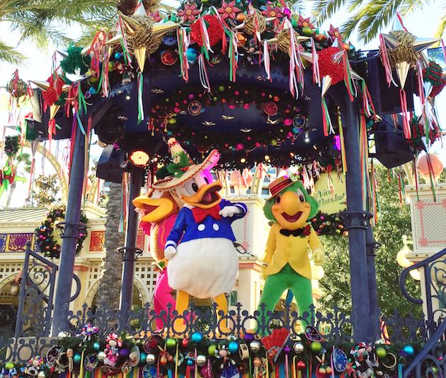 Viva Navidad - Festival of Holidays