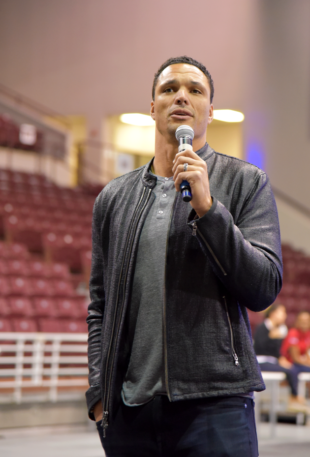 Tony Gonzalez - Football Changes Lives