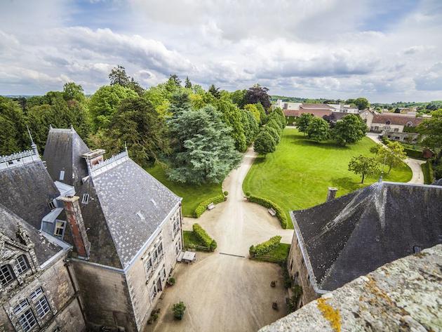 Le Donjon - Castles