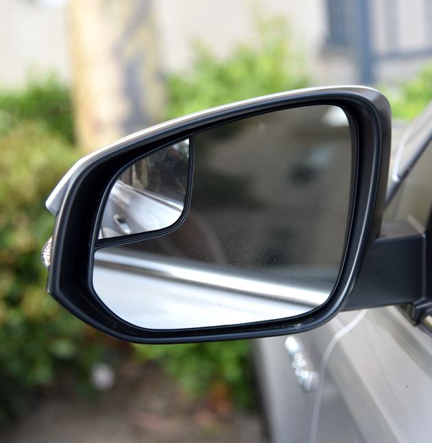Toyota Rav4 Mirror