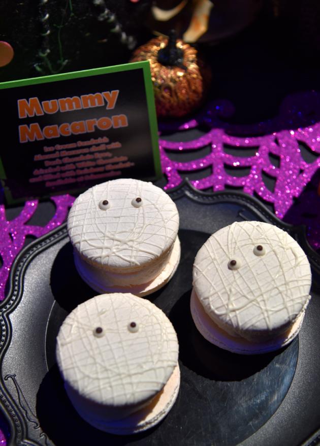 Mummy Macaron
