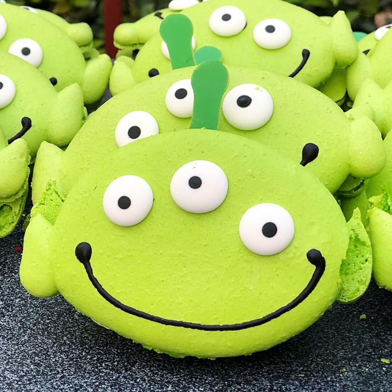 Pixar Fest Alien Macaron