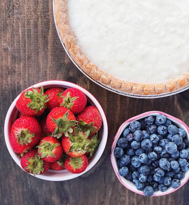 Frozen Yogurt Pie Ingredients