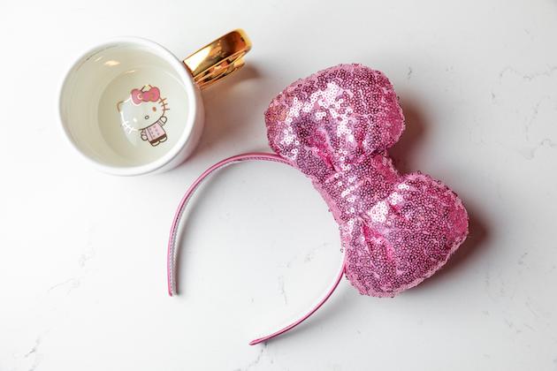 Hello Kitty Mug and Bow