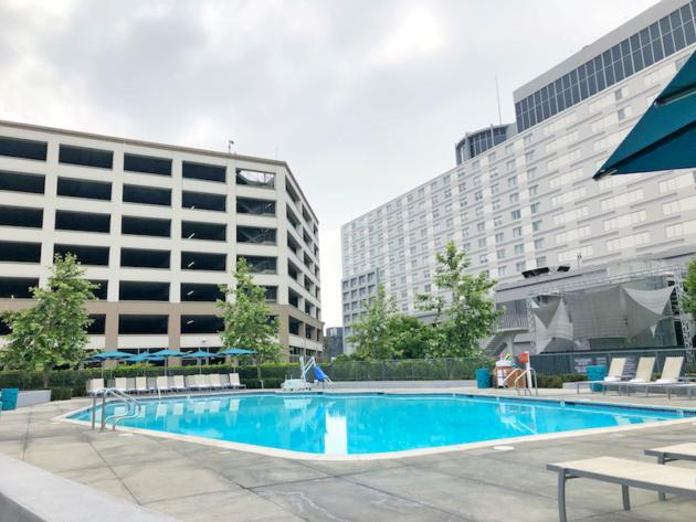 Hyatt Regency LAX Pool