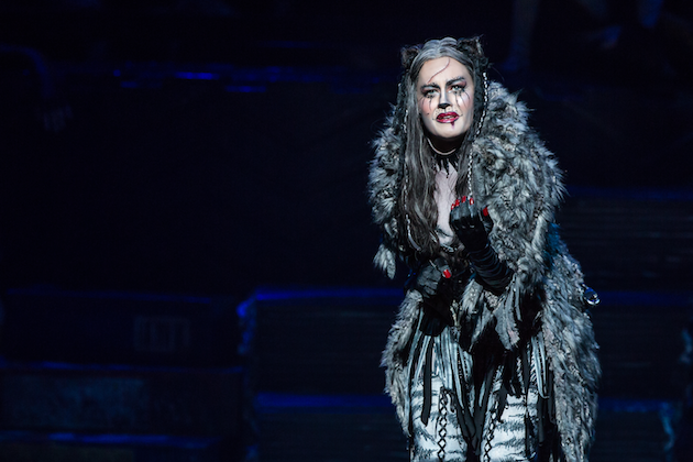Mamie Parris as Grizabella in CATS