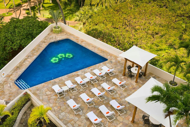 Tropical Suite Oahu