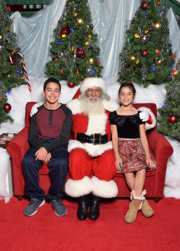 Christmas Photo at MainPlace Mall