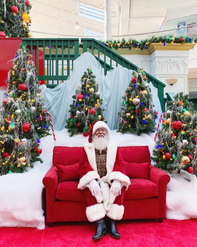 Santa at MainPlace Mall
