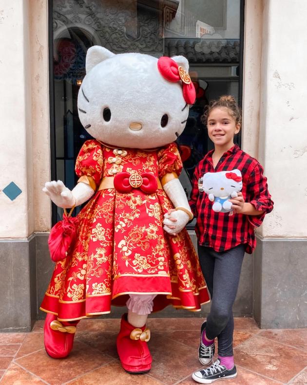 Hello Kitty at Universal Studios